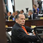 Senador Roberto Gerlein arremete contra la reforma de equilibrio de poderes http://t.co/14RgY4woyN http://t.co/2s57XTAEJV