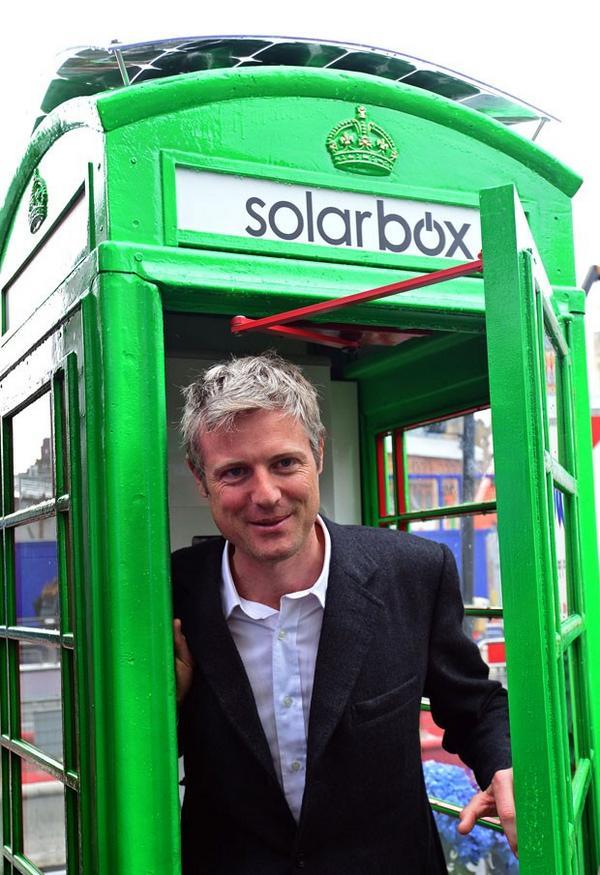 Londres recebe 1º telefone público que funciona com energia solar http://t.co/N0vYiqESZz #G1 http://t.co/Rx9ids8UEr