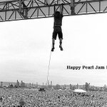 Happy Pearl Jam Day, Cincinnati! @PearlJam http://t.co/4awKliwHvL