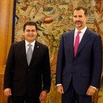 @JuanOrlandoH y @anagarciacarias se reunieron con el Rey Felipe VI y la Reina Leticia al cierre de gira en #España http://t.co/EIFtViht5W