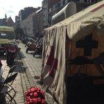 Vandaag kan je ons vinden op de Studentenwelkom op het Ladeuzeplein! #StuWel http://t.co/0HkqW8paiQ