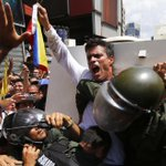 RT @elespectador: Leopoldo López denuncia a Maduro por la muerte de dos personas http://t.co/dKqz2GNgzW http://t.co/007Udh80xs