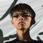 RT @g1: Jovem de 17 anos lidera protestos em Hong Kong http://t.co/M35B5cunNx #G1 http://t.co/5Gb2IPtUWD