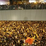RT @BBCWorld: How Hong Kongs #UmbrellaRevolution protests could hit tourism http://t.co/lbKuIcV0sG http://t.co/VuqKj9E73D