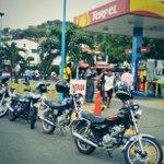 Conglomeración en la estación de gasolina de San Rafael #Cúcuta @TUKANAL @catatumbo77 @areacucuta http://t.co/wEHDKnDnwV