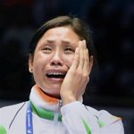 There was no one to lend me $100 to lodge protest, says boxer #saritadevi http://t.co/SFr3I9R6Av #AsianGames2014 http://t.co/8VNZFVuuRw