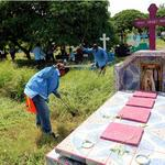 Alcaldía de Managua continúa en intensa jornada de limpieza de cementerios #MC4 http://t.co/A1plspRp5Y http://t.co/7adHaTD6l0