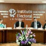 Instalación del @INEMexico #Jalisco @iepcjalisco Guillermo Alcaraz como Presidente y 6 Consejeros más. ¡Felicidades! http://t.co/crc442BHfR