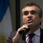 RT @Ambitocom: [ECONOMÍA] Renunció Fábrega a la presidencia del Central y lo reemplaza Vanoli http://t.co/CV3rdstIjd http://t.co/Bcr4f1yr8P