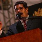 RT @vencancilleria: Pdte. @NicolasMaduro: Seguiremos de pie, dando la batalla por la paz. http://t.co/OaL0ee3s5D