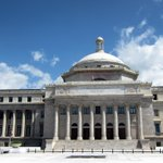 [Vídeo] Arrestan a joven por masturbarse en Capitolio http://t.co/qQSvi4eMsj http://t.co/mOM5M4LoWe