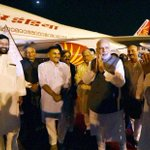 Welcome Home: PM Narendra Modi being welcomed by Union ministers Ram Vilas Paswan, V K Singh & BJP leaders. http://t.co/dOllyJZxh0
