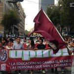 """¡Que salga Chong! ¡Que salga Chong!"", gritó la #MarchaDeLasCredenciales en Bucareli http://t.co/8DjM6VMYKE http://t.co/0PVwFR1CYb"