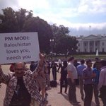 RT @dreamthatworks: Such Pics were not shown on any #paidmedia Ch... #ModiMeetsObama #saritadevi Swachh Bharat @KiranKS @anilkohli54 http://t.co/ltqugpop73