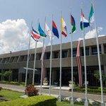 ❤ RT @nacion Banderas de las siete provincias ondean en Casa Presidencial http://t.co/nFok7Je3he http://t.co/zeYH6zyZlx