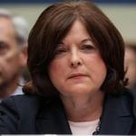 Renuncia jefa del Servicio Secreto en medio de escándalo de seguridad en Casa Blanca. Detalles en breve en Metro.pr http://t.co/GD3IkAgmvC