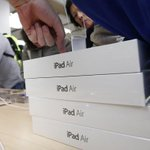 """@Estadao: Apple pode lançar iPad dourado http://t.co/dJwsYPJ6tC http://t.co/NYQr3sXSZs"" Vai ser 10 mil aqui no Brasil"