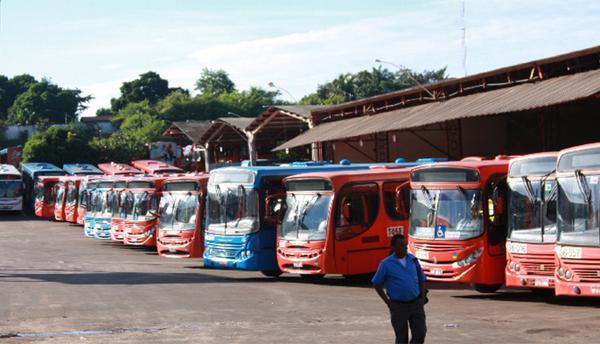 Imirante.com (@imirante): Ônibus não circularão em São Luís a partir desta quinta-feira (02). http://t.co/ku7ZIXMc8q http://t.co/CbBRVIuvCT