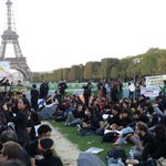 RT @hkdemonow: 01/10 In #Paris. #UmbrellaRevolution #HongKong #UMHK http://t.co/03xVuejiBD