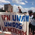 Expresan solidaridad estudiantes de la UNAM a alumnos del IPN en CU #TodosSomosPolitécnico http://t.co/48TQcyT4Al