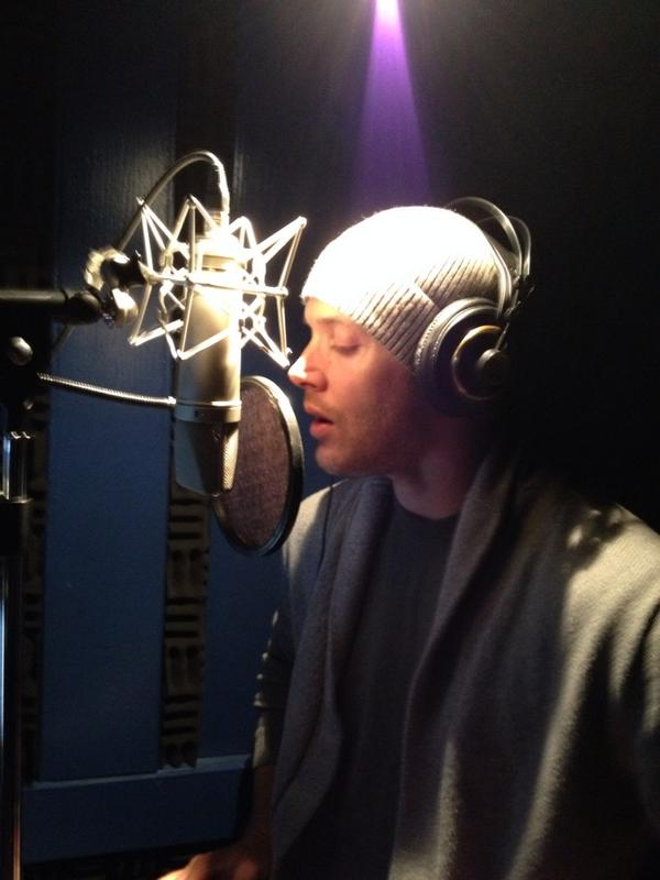 @JensenAckles is giving me some help on my new album! http://t.co/dmqxz3NRYc