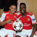 Danny Welbeck with @Alex_OxChambo - and the #AFCvGAL match ball! http://t.co/7dB5NnTd8a