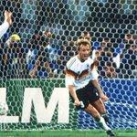 RT @Cooperativa: Campeón del mundo con Alemania en 1990 ahora trabaja haciendo aseo http://t.co/FiAELAqEqs http://t.co/yfN36yTRFz