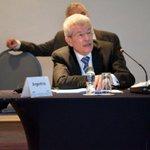 Renunció el titular del Banco Central, Juan Carlos Fábrega. Alejandro Vanoli podría sucederlo http://t.co/jHju8g2PqH http://t.co/K2LAsLtSnY