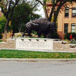 ALWAYS great to be on campus! Very excited to serve as a mentor in the Foundations of Leadership program at #NDSU! http://t.co/K9MyEauOd5