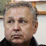 RT @Cooperativa: Tribunal dictó orden de detención contra Marcel Claude http://t.co/Nv4AipfVi7 http://t.co/cX5X3ZTQnt