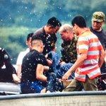 Se ha rescatado el primer cuerpo en Lago Suchitlan. Se buscan 2 más. http://t.co/pFDkXHJlfG