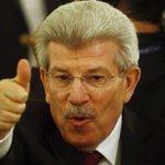 El renunciado titular del BCRA, Juan Carlos Fábrega, festejando que se ganó el loto. http://t.co/pNmvEQUgFm