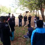 Lemi Ponifasio, artista indígena de Nueva Zelanda, en Escuela Mapuche Llaguepulli #LagoBudi http://t.co/z4o9nQGG69