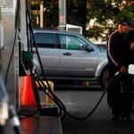 Precios de las bencinas registrarán una nueva alza → http://t.co/Hw7Ud2dRN1 http://t.co/sLgF9SXc8h