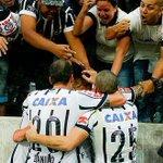 Corinthians x Atlético-MG 62 jogos 28 vitórias do Corinthians 17 vitórias do Atlético-MG 17 empates http://t.co/W64kHzeTAQ