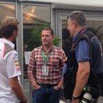 FP1での息子さんのデビューを見守るヨス・フェルスタッペン氏 #F1JP #JapaneseGP http://t.co/5erFWgMvw0