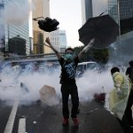 """There is no way #HongKong people would forfeit their freedom to settle for any less"" Reporter http://t.co/4WdKeVORM8 http://t.co/v5SW4y7qo8"