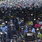 RT @BBBonitao: os moto boys te espera na saída Felipeh #AFazenda http://t.co/7fEMuRmpNv