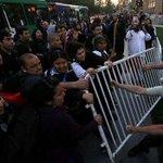 RT @PublimetroChile: :(...Protesta por muerte de mapuche termina con incidentes en La Moneda http://t.co/wKSikOk6xY #PublimetroisAlive http://t.co/KUoo5dfwSF