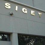 .@SIGETSV ordena suspender transmisión en canal 11 y pasar señal al 37 Detalles http://t.co/dwtBRkht1Y http://t.co/AG5a1judaI