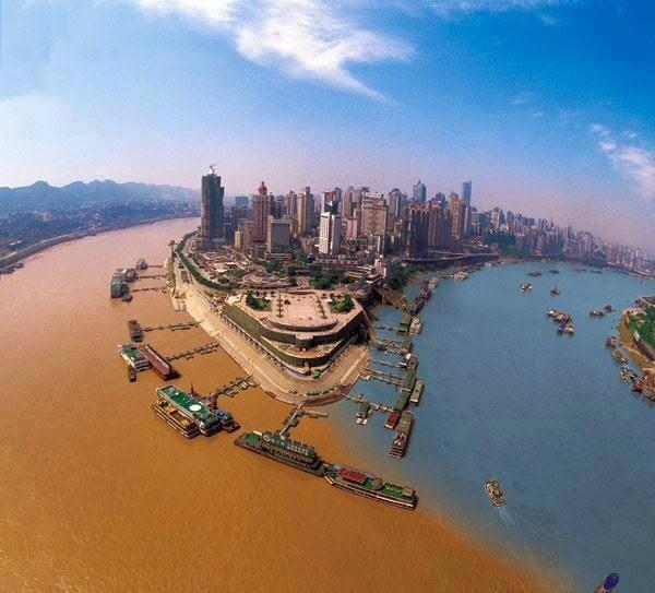 When two oceans meet but do not mix, the Yangzte and Jialing rivers in China. http://t.co/AIZYxBsdxt