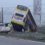 bus Jet sur y 2 camiones involucrados en accidente @CuricoUrgente @MauleNoticias http://t.co/kg3JCfkAZl