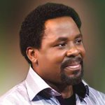 T.B Joshua talk say im see vision of the vision of the building before e bin collapse... http://t.co/ar8r0jeEoh http://t.co/xfIaIM3iT9