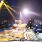 RT @barks_news: まずは写真を!X JAPAN@横浜アリーナ   #YOSHIKI #XJAPAN   BARKS音楽ニュース http://t.co/QY04iE8cHP #BARKS http://t.co/0HTKiZUYH9