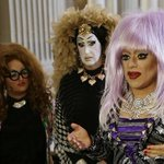 Facebook changes real-name policy after uproar from drag queens http://t.co/sefCH2zAaP http://t.co/ZdhK0ispNm