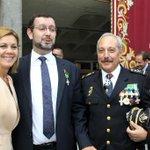 Cospedal impone la Cruz al Mérito Policial al director de Infraestructuras y Tecnología de @cajaruralCLM http://t.co/zziK5XTl36