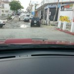 """Cae vehículo en un """"cráter"""" 7a sur entre 4a y 5a ote. @VialidadTuxtla @AlertaChiapas 7a sur está en mal estado http://t.co/ISgGym2Ai4"""