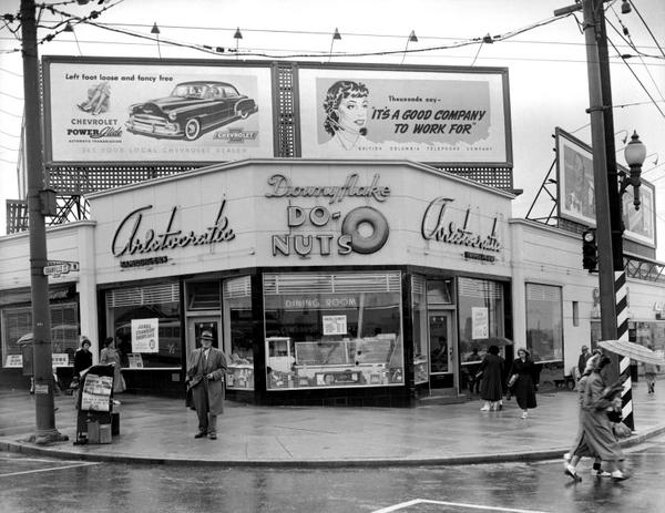 #tbt: Iconic Aristocratic coffee shop at Bdwy & Granville. 1951 photo by Artray Studio - VPL 81669 http://t.co/1CTthq0DA7