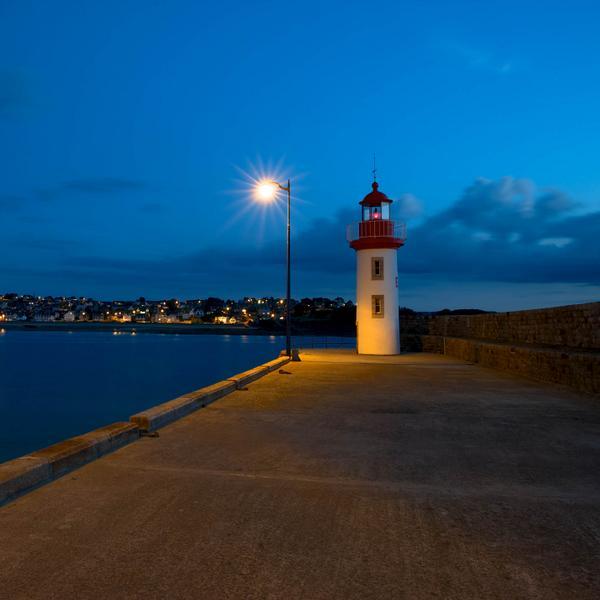 © Christian Baillet - France - Bretagne - Erquy - L'Heure Bleue en Bretagne. http://t.co/FJNb4tCuf1
