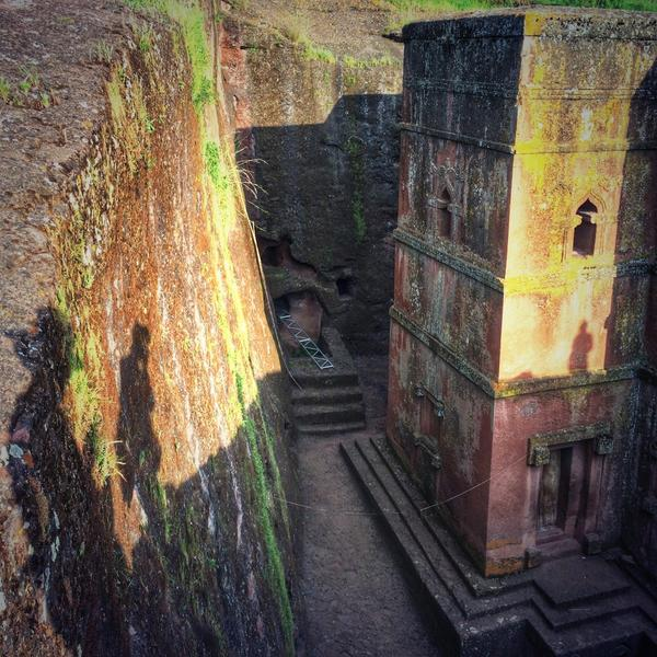 Ethiopia's Lalibela, home to 11 rock-hewn churches, is known as the Petra of Africa. #BucketList http://t.co/0KovEAXwYz